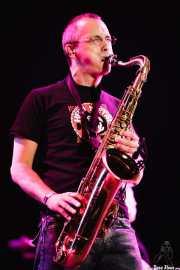 Javier Alzola, saxofonista de Fito y Fitipaldis (Bilbao BBK Live, Bilbao, 2007)