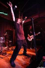 Roy Loney -voz y guitarra- y Xabi Garre -guitarrista- de Roy Loney & Señor No (Sala 360 Aretoa, Arrasate-Mondragón, 2007)