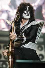 Tommy Thayer (The Spaceman), guitarrista de Kiss, Kobetasonic. 2008