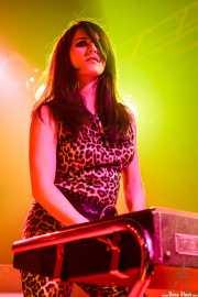 "Lana Loveland ""The Fox on the Vox"", organista de The Fuzztones (Sala Rockstar, Barakaldo, 2009)"