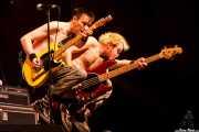 """Michael """"Olga"""" Algar -cantante y guitarrista- y Tom """"Tommy Goober"""" Blyth -bajista- de The Toy Dolls, Vitoria-Gasteiz. 2009"""