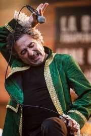 Morfi Grei, cantante de La Banda Trapera del Río (Plaza Nueva, Bilbao, 2009)