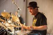 """Juan """"Raf"""" Pulido, baterista de La Banda Trapera del Río (Plaza Nueva, Bilbao, 2009)"""