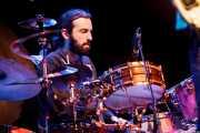 Joachim Cooder, baterista de Ry Cooder & Nick Lowe, Palacio Euskaduna Jauregia, Bilbao. 2009