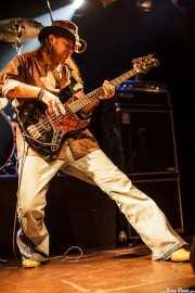 Levell Price, bajista de Eric Sardinas & Big Motor, Jimmy Jazz Gasteiz, Vitoria-Gasteiz. 2009