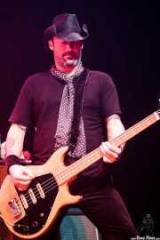 Damon Williams, bajista de The Quireboys, Kafe Antzokia, Bilbao. 2009