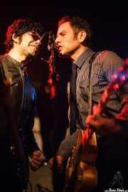 Hector Penalosa -bajo- y Robert Lopez -voz y guitarra- de The Zeros (Sala Azkena, Bilbao, 2010)