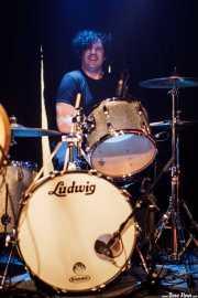 Baba Chenelle, baterista  de The Zeros (Sala Azkena, Bilbao, 2010)