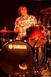 Jon Maurolagoitia, baterista de Those Radios, Sala Azkena, 2010