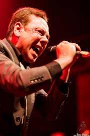 Peter Coyne, cantante de The Godfathers (Kafe Antzokia, Bilbao)