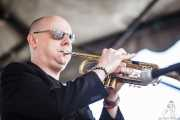 Dave Priseman, trompetista y guitarrista de Imelda May, Azkena Rock Festival. 2010
