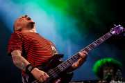 Stu West -bajo- y Monty Oxymoron -teclado- de The Damned, Azkena Rock Festival, Vitoria-Gasteiz. 2010