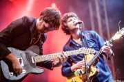 Alex Gavaghan -guitarra- y Dan Wilson -voz y guitarra- de The Cubical (Azkena Rock Festival, Vitoria-Gasteiz, 2010)