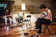 Atom Rhumba grabando Gargantuan Melee (, , 2010)