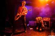 Rupert Orton -guitarra- y Gavin Jay -bajo- de The Jim Jones Revue (Le Poisson Rouge, Nueva York, 2010)