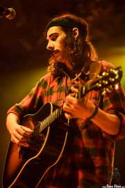 "J. Arjonilla ""Ari"", guitarrista, cantante de Hola A Todo El Mundo (Santana 27, Bilbao, 2010)"