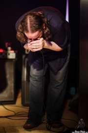 John Paul Green, guitarrista y armonicista de The Cubical (Sala Azkena, Bilbao, 2011)