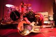 Ignacio Villarejo -baterista- y Coni Duchess -bajista y cantante- de Cápsula