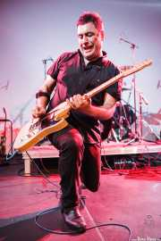 David Hono, cantante y guitarrista de Sonic Trash, Sala Cúpula (Teatro Campos Elíseos), Bilbao. 2011