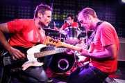 Jordi Porras -bajo-, Ander Bada -batería- y Alfredo Romero -guitarra- de The Longboards (Biribay Jazz Club, Logroño, 2011)