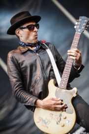 Mike Dimkich, guitarrista de The Cult (Azkena Rock Festival, Vitoria-Gasteiz, 2011)