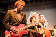 Travis Good -voz, guitarra y violín- y Sean Dean -contrabajo- de The Sadies (Escenario Santander, Santander, 2011)