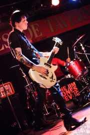 Gavin Jay, bajista de The Jim Jones Revue (The Horseshoe Tavern, Toronto, 2011)