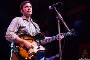 Jason Gentry, bajista de The Ugly Beats, Kafe Antzokia. 2011