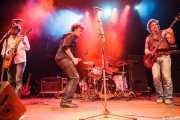 Jeff Massey -voz y guitarra-, Jony Moreno -cantante invitado-, Joe Winters -batería- y Tod Bowers -bajo- de The Steepwater Band (Kafe Antzokia, Bilbao, 2011)