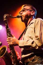 Saxofonista de JD McPherson, Kafe Antzokia, Bilbao. 2011