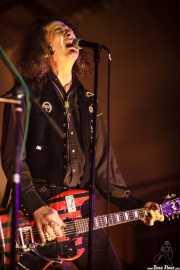 Fred Cole, cantante y guitarrista de Pierced Arrows, Barreiro Rocks. 2011