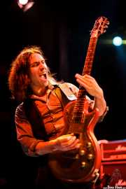 Paul Mahon, guitarrista de The Answer, Kafe Antzokia, Bilbao. 2012