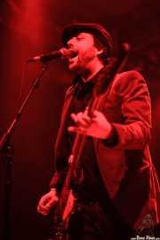 Raúl Real, cantante y bajista de Los Tupper, Santana 27, Bilbao. 2012