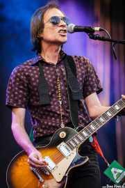 Mick Medew, cantante y guitarrista de The Screaming Tribesmen, Azkena Rock Festival, 2012