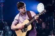 Harry Cargill, guitarrista (en gira) de Mumford and Sons, Bilbao BBK Live, Bilbao. 2012
