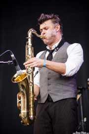 Feal Le Rouzic, saxofonista de The Inspector Cluzo & The FB'S Horns (Bilbao BBK Live, Bilbao, 2012)