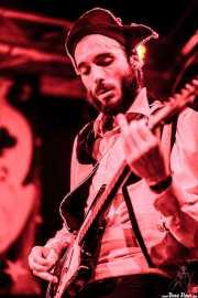 Manu Alfonso, guitarrista de The Phantom Keys (Funtastic Dracula Carnival, Benidorm, 2012)