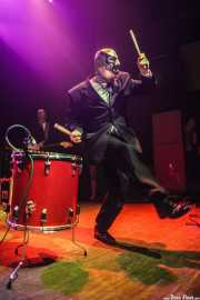 Chris Sprague, baterista de Los Straitjackets & Big Sandy & The Pontani Sisters, Kafe Antzokia, Bilbao. 2012