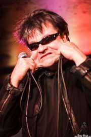 Eugene Reynolds, cantante y guitarrista de The Rezillos (, , 2012)