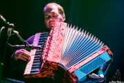 acordeonista invitado de Señores, Kafe Antzokia, Bilbao. 2013