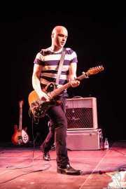 Imanol G. Alcón, guitarrista y cantante de Supersweet, Teatro Campos, Bilbao. 2013