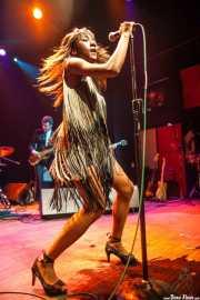 Koko-Jean Davis, cantante de The Excitements, Kafe Antzokia, 2013
