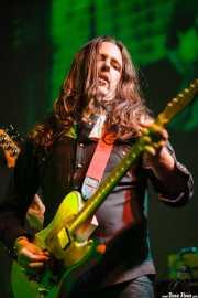 Txus Alday, guitarrista de Mati and The Kozmic Guests (Teatro Campos, Bilbao, 2013)