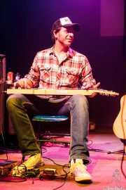 Jokin Totorika, lap steel guitar de Dead Bronco, Kafe Antzokia. 2013