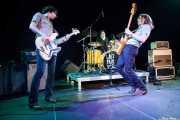 Iker Arbizu -bajista-, Virginia Fernández -baterista- y Gonzalo Portugal -guitarrista y cantante-, de Last Fair Deal