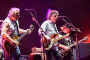 "Frank ""Poncho"" Sampedro -guitarrista-, Billy Talbot -bajista-, Neil Young -guitarrista y cantante- de Neil Young & Crazy Horse, Stade Aguiléra. 2013"