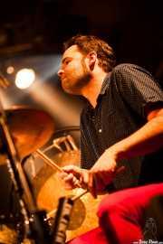 Natxo Beltrán, baterista de Luigi Stream & Lee Perk Trio, Santana 27, Bilbao. 2014