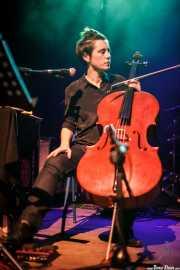 Maite Arroitajauregi, cantante y chellista de Mursego, Kafe Antzokia, Bilbao. 2014