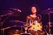 Mariana Pérez Abendaño, baterista de Sonic Trash, Kafe Antzokia, Bilbao. 2014