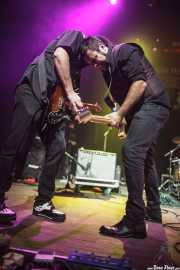 Juanjo Arias -guitarra- y David Hono -voz y guitarra- de Sonic Trash, Kafe Antzokia, Bilbao. 2014